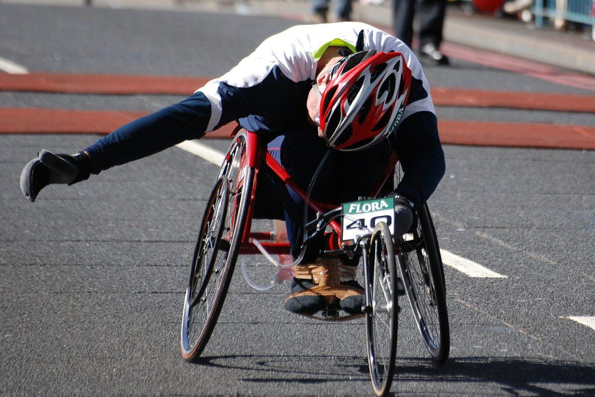 wheelchair-369735_1920