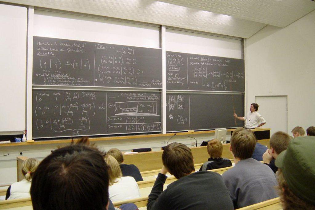 Docenti universitari, compensazione per gli scatti stipendiali non ricevuti
